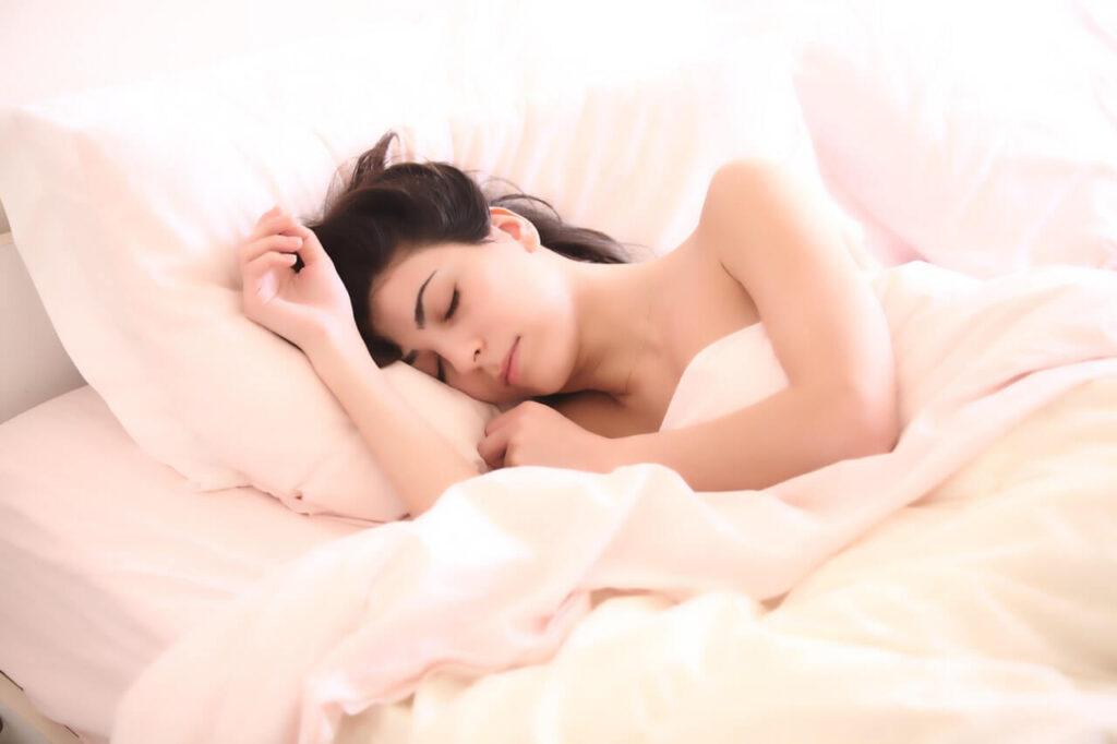Vpliv spanja na težo